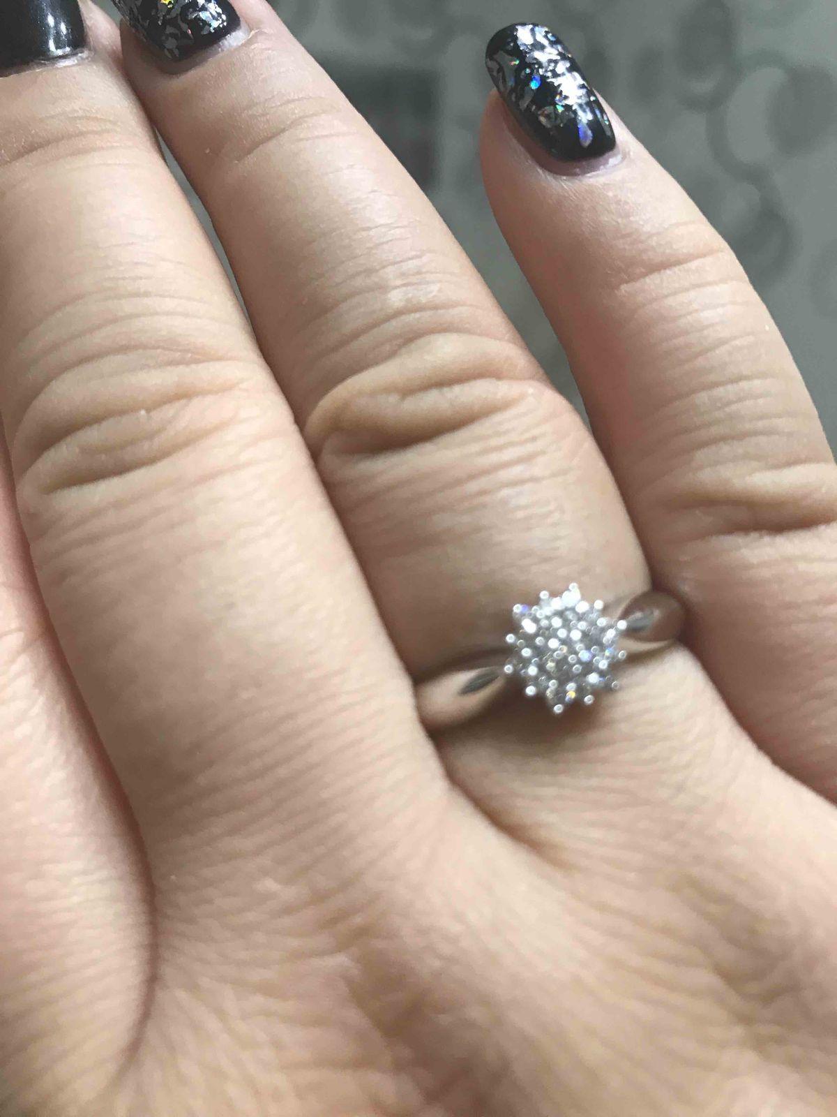 Кольцо из белого золота и бриллиантами