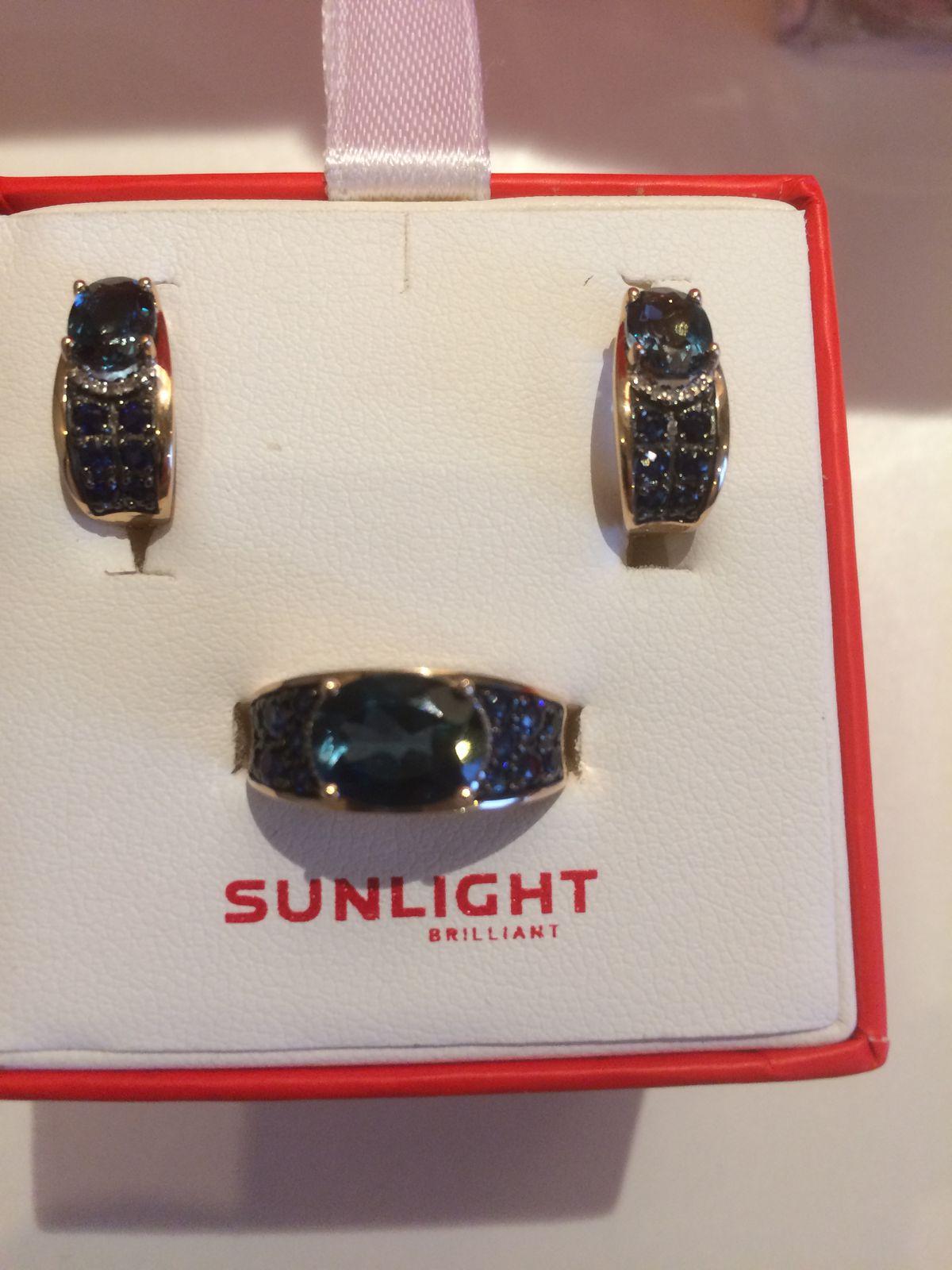 Шикарное кольцо из комплекта