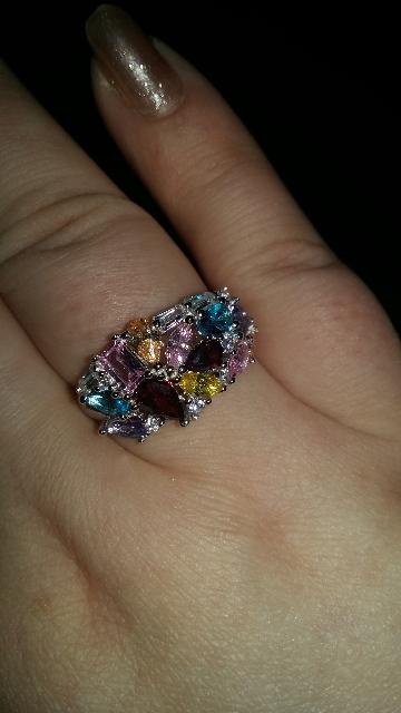 Кольцо с фианитами цветными