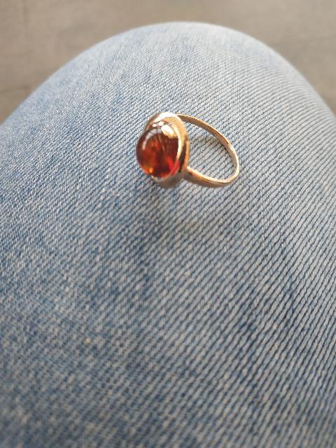 Янтарное кольцо.