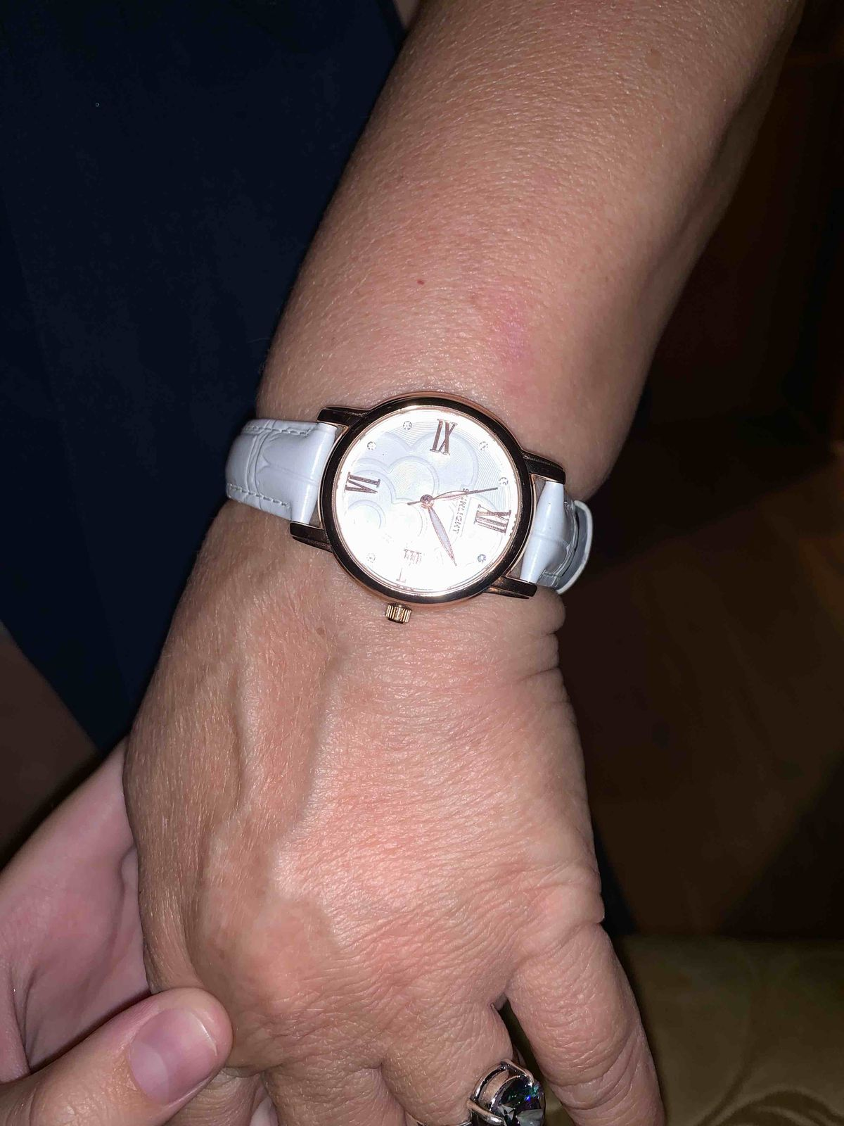 Белые часы - великолепны