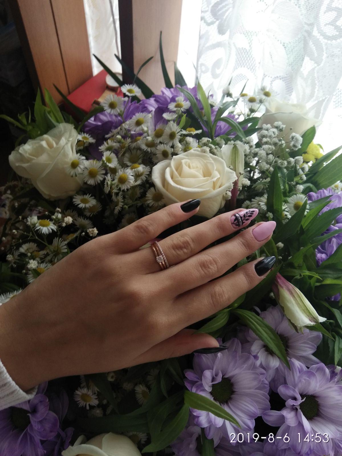 Красивое и элегантное кольцо