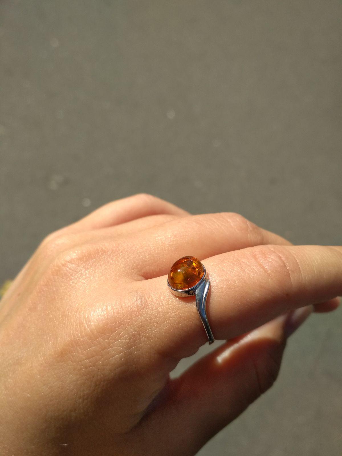 Чудесное кольцо с янтарем