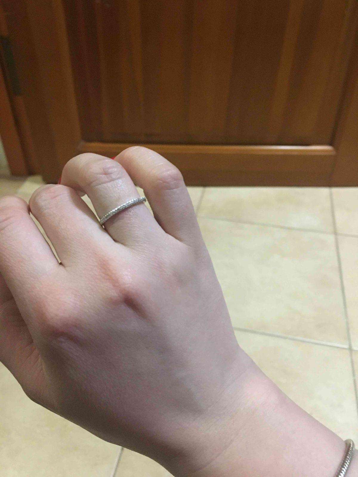 Кольцо с брилиантами )))