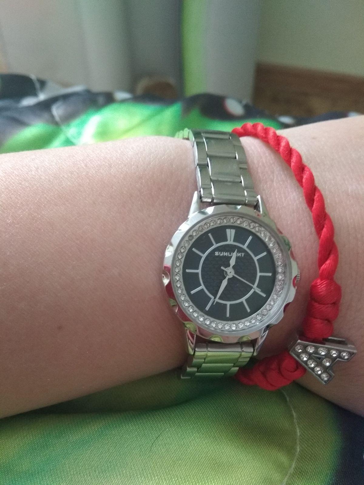 Купила часы,очень нравятся.