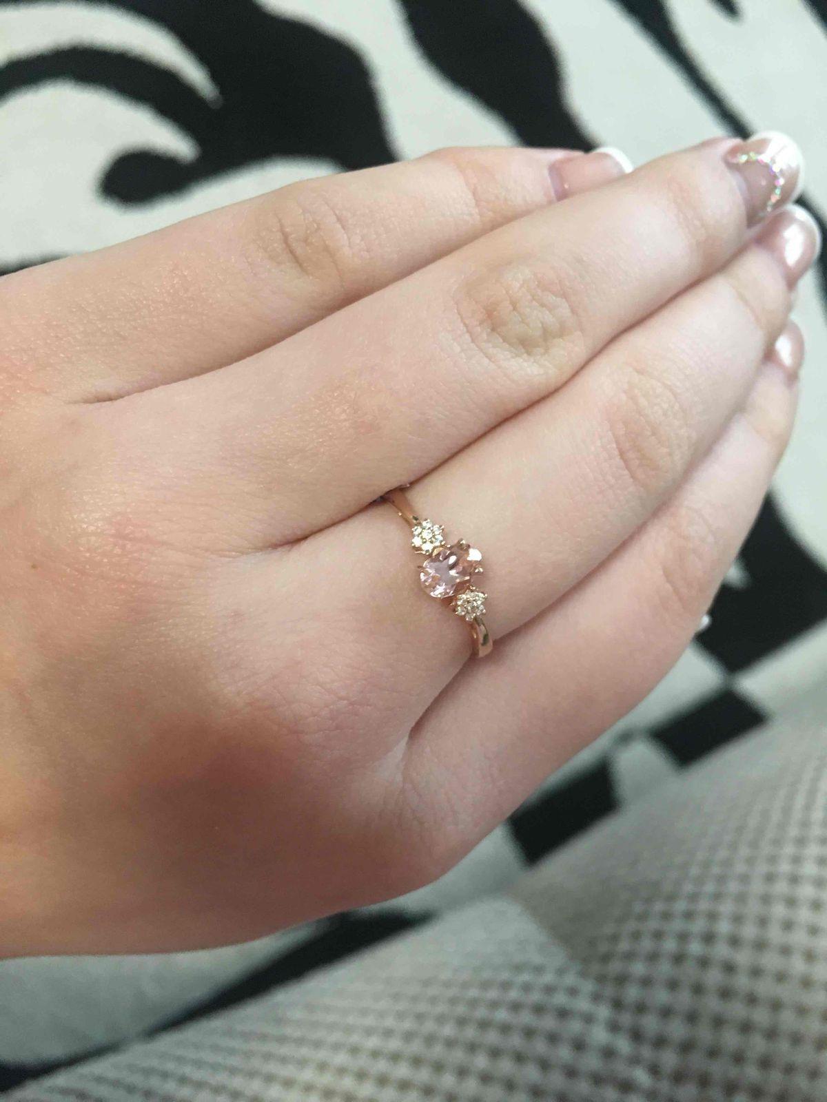 Золотое кольцо с морганитом