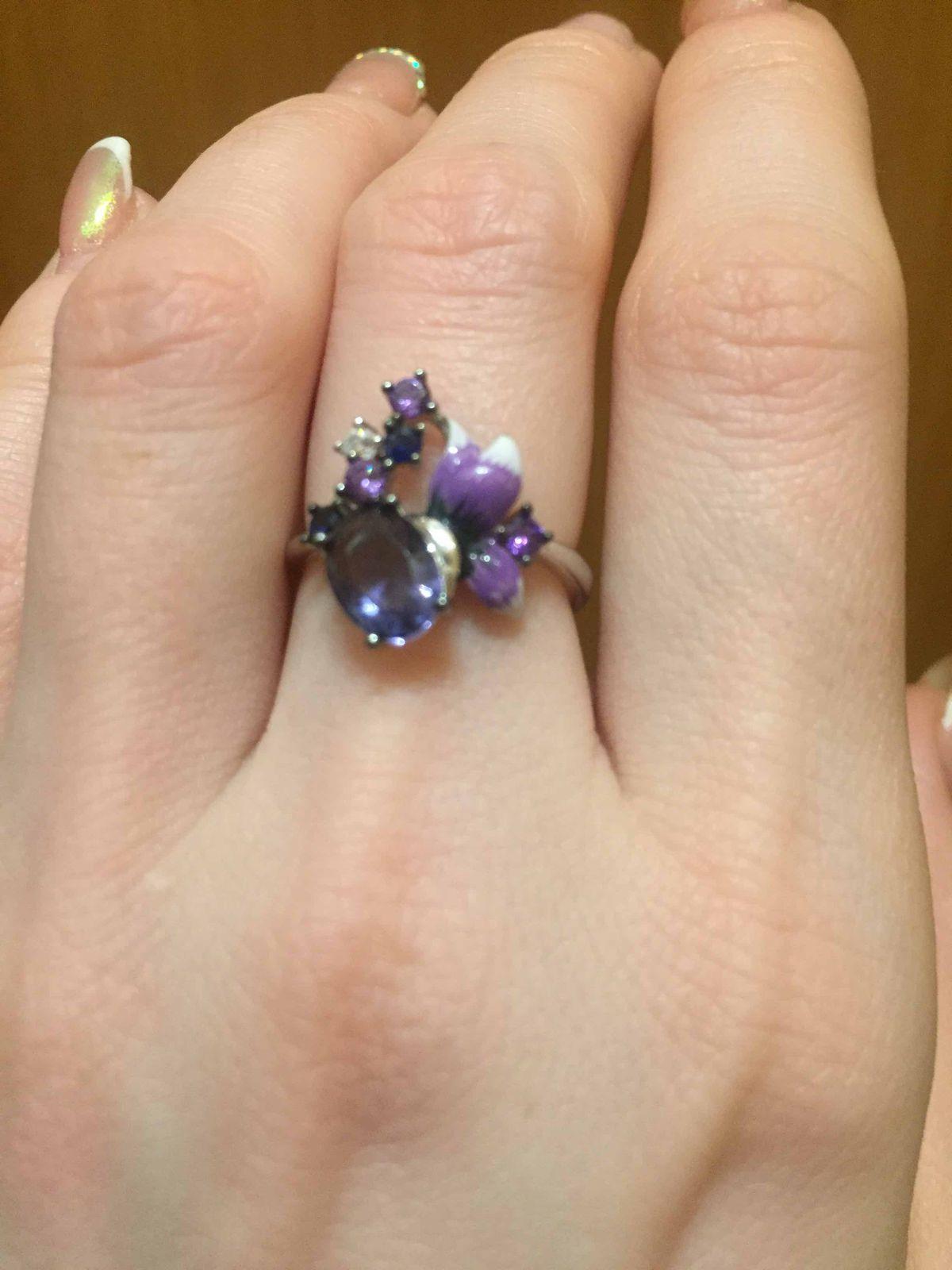 Кольцо с камнями и шпинелью