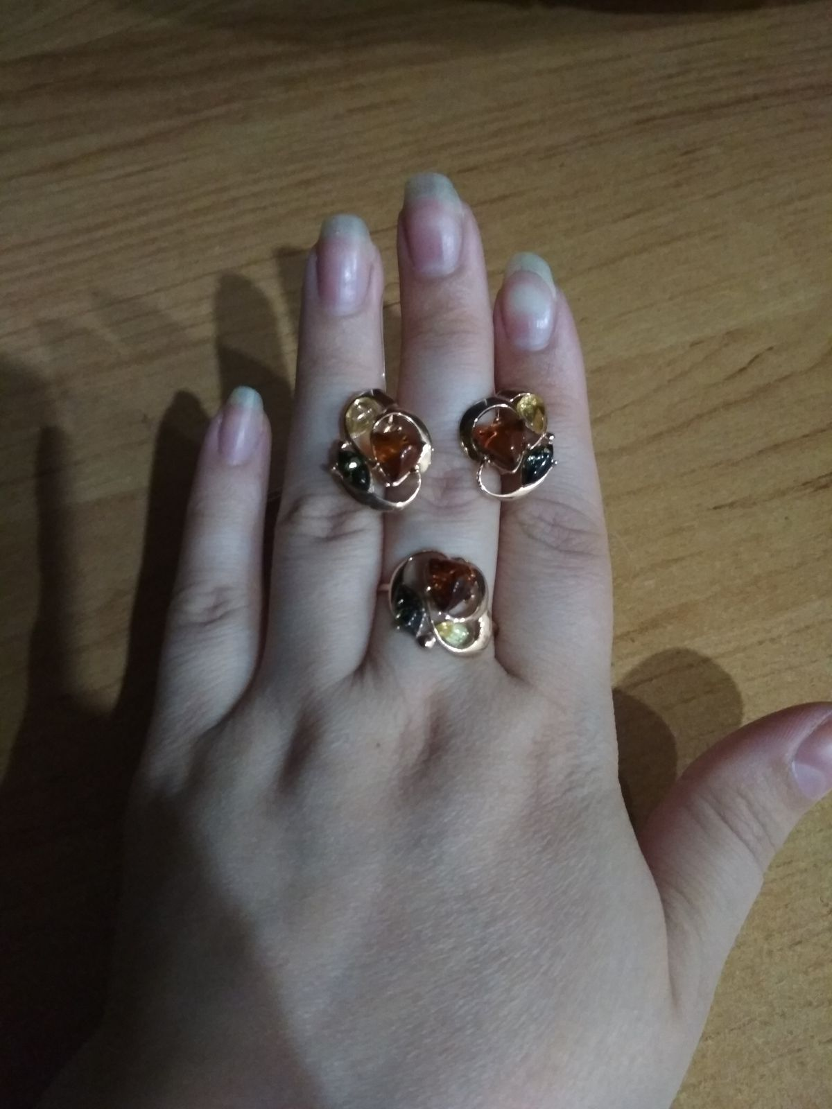 Шикарное кольцо с янтарем