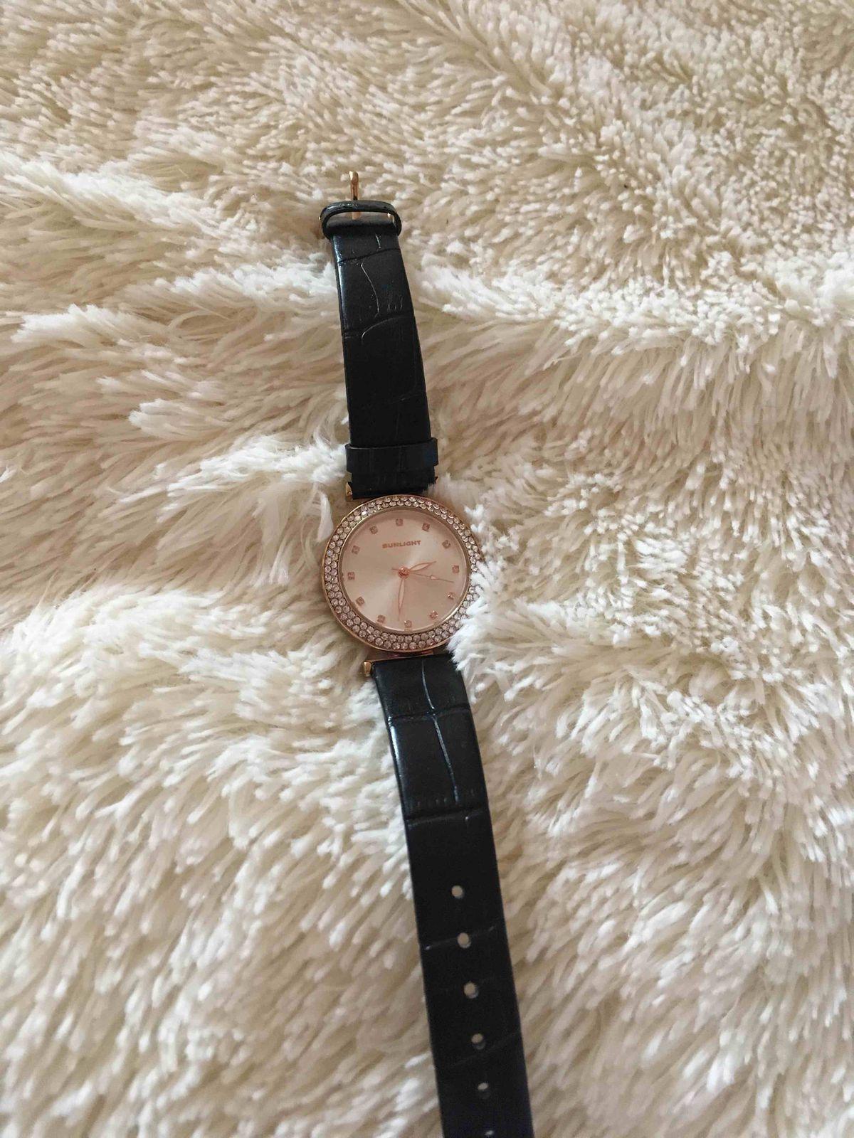Купила часы-они просто шикарны