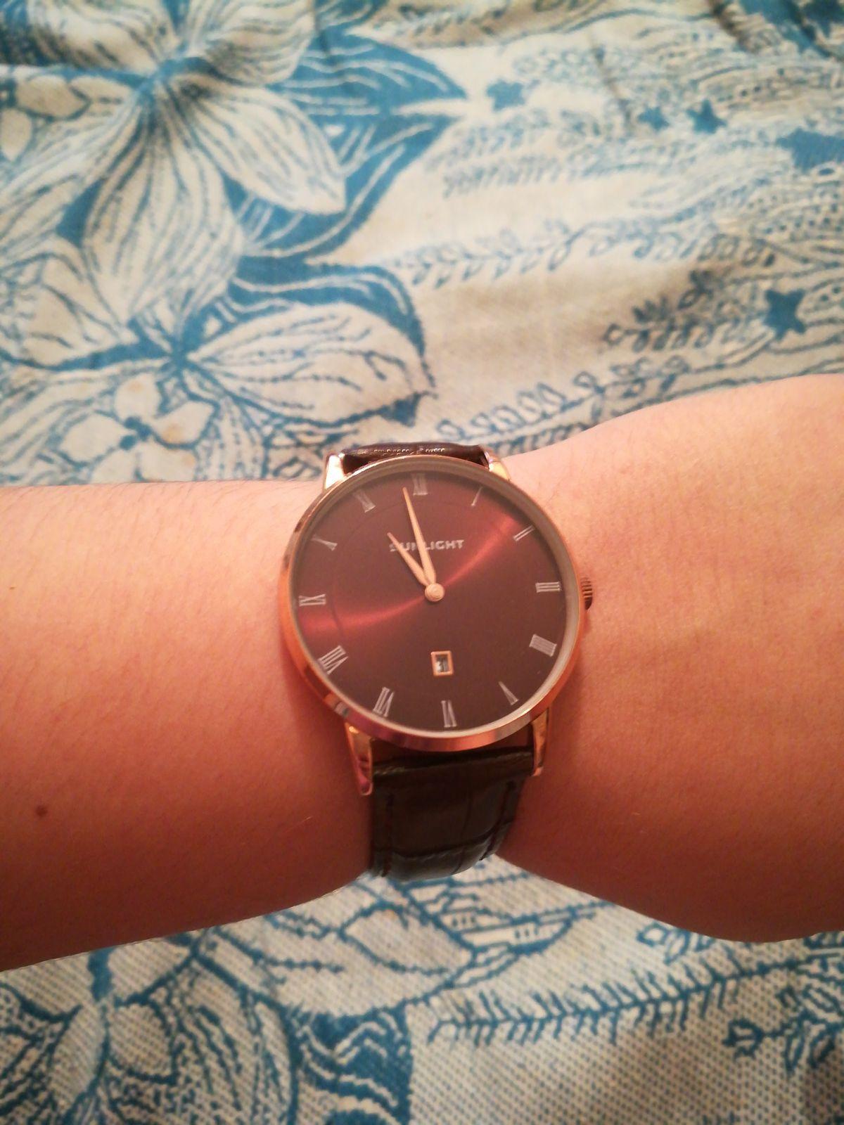 Потрясающие часы)