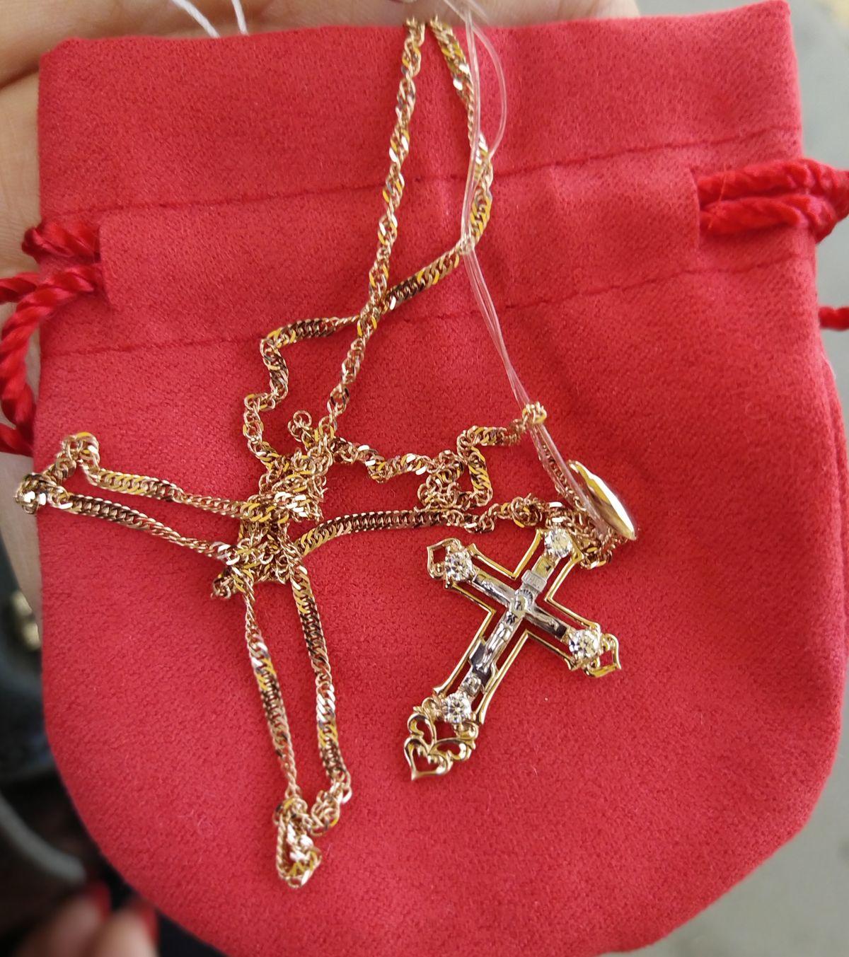 Невероятной красоты крестик