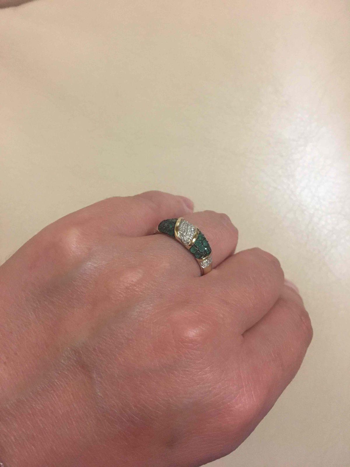 Роскошное и элегантное кольцо