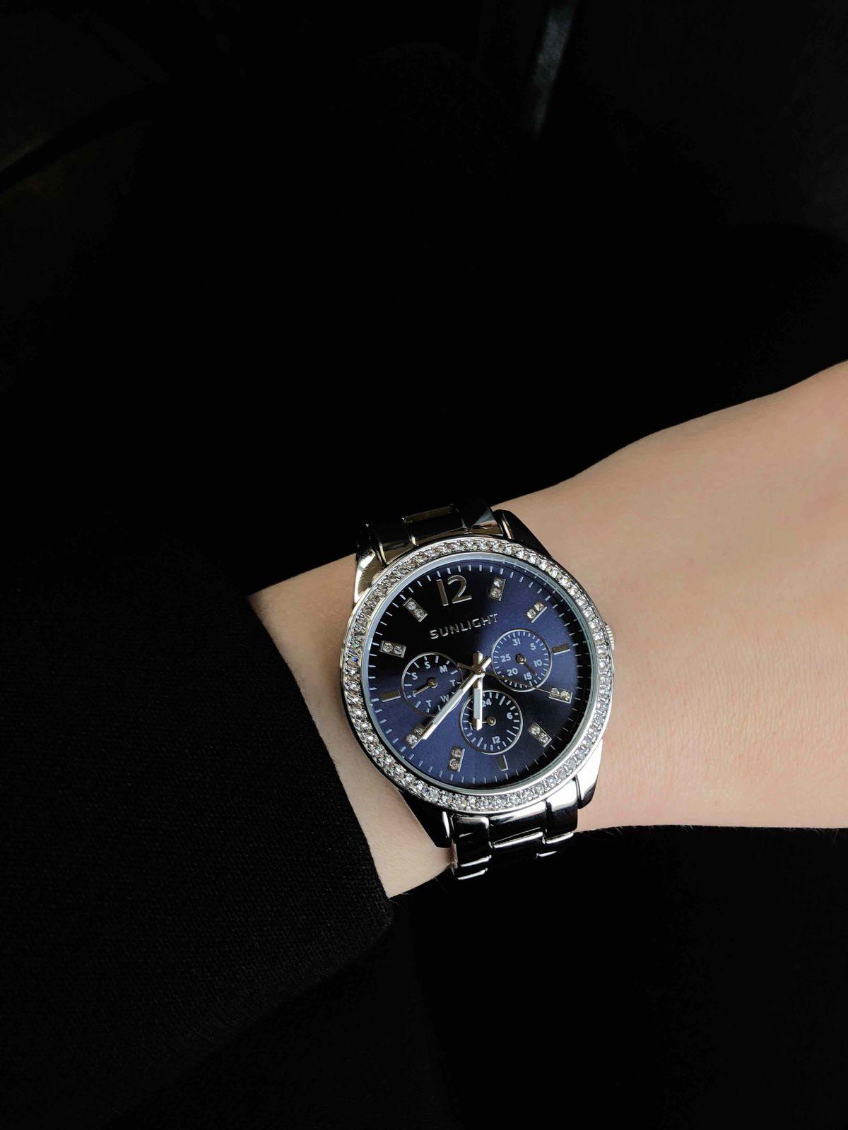 Очень женственные часы