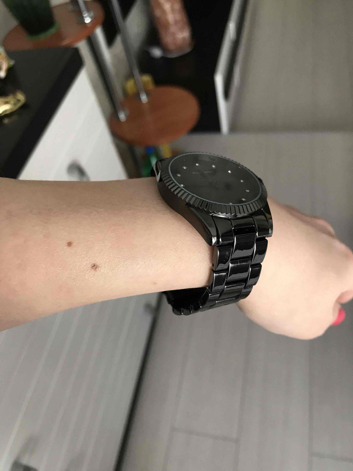 Черные часы с керамическим ремешком!