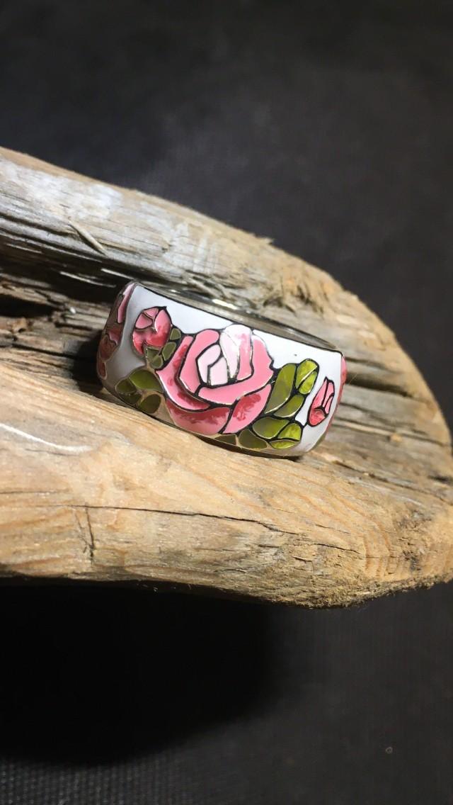 Скребряное кольцо с эмалью