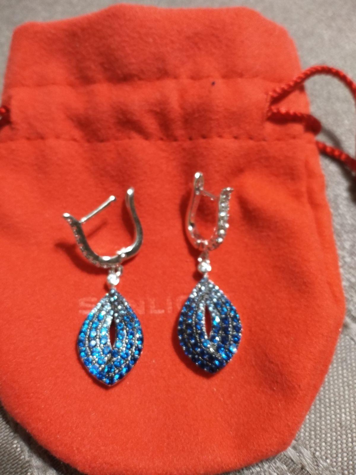 Серебряные серьги со шпинелью и фианитами