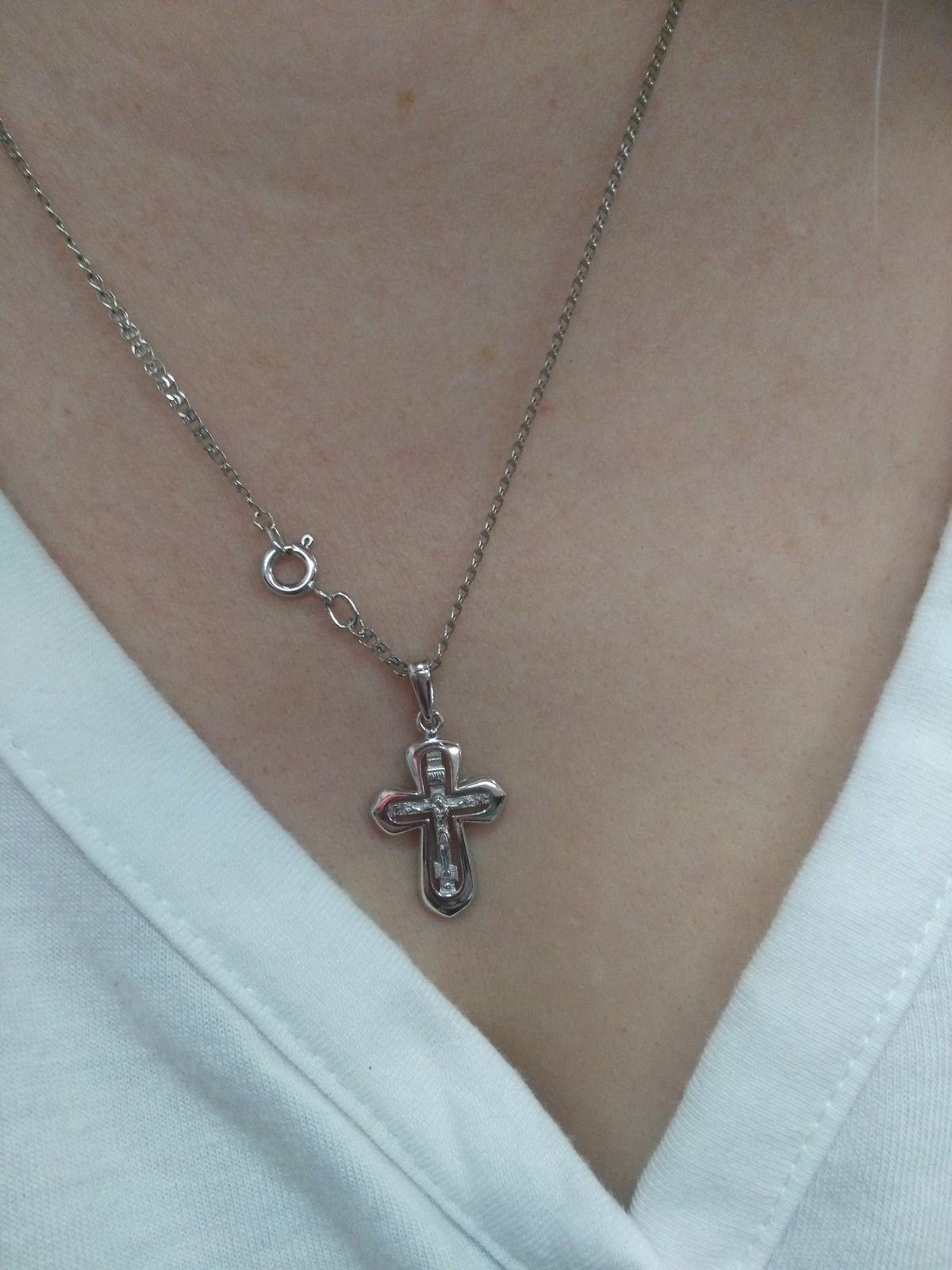 Красивый крестик из серебра