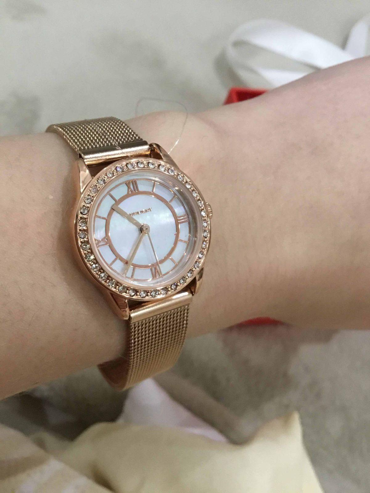 Женские часы (розовое золото) с фианитами