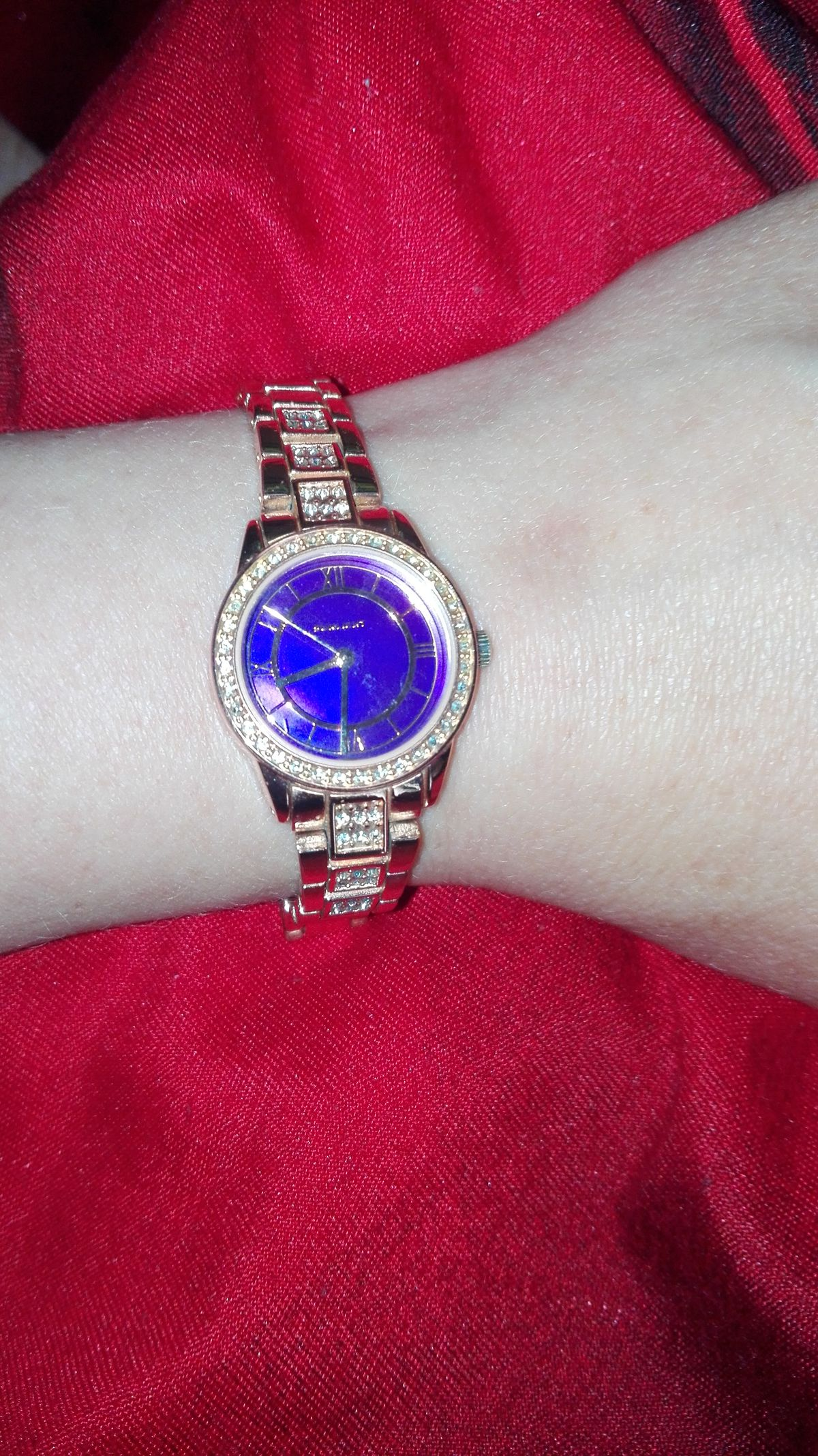 Наручные часы...